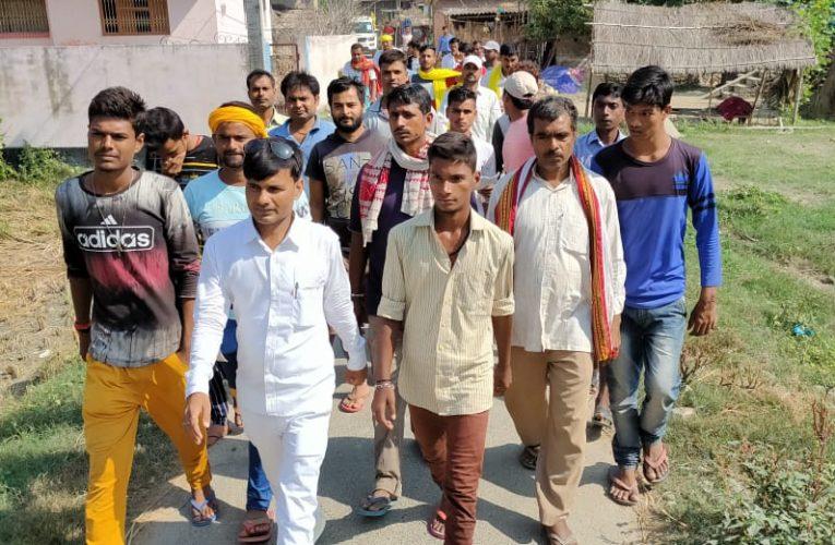 इसुआपुर के उसूरी, शुम्भा, दरवां, सहवाँ, रामचौरा, शामपुर, डटरा समेत एक दर्जन गांवों में मुखिया संगम बाबा ने किया जनसंपर्क