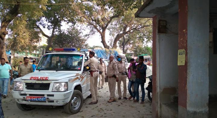 रिविलगंज में दारू पीकर पिस्टल दिखाने के आरोप में युवक गिरफ्तार।