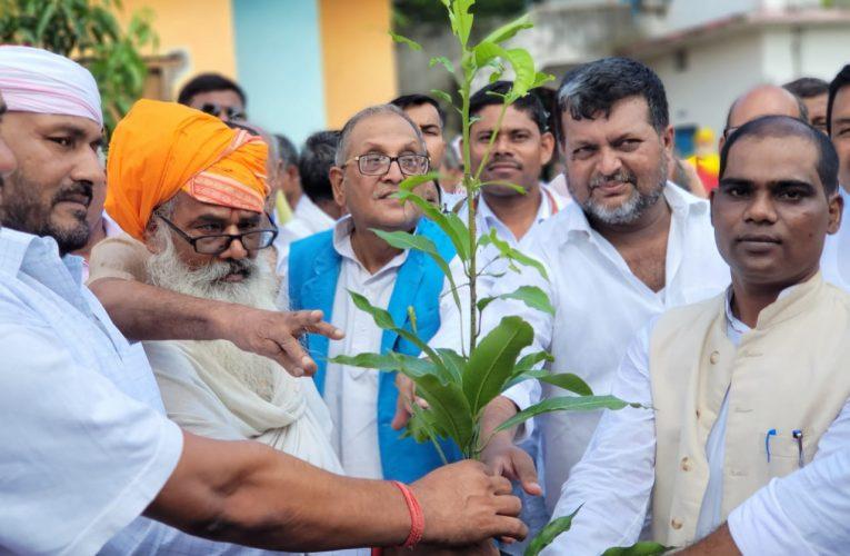 श्रीधर बाबा ने शिक्षा का मंदिर का निर्माण कर समाज में दिया अतुल योगदान: विधायक